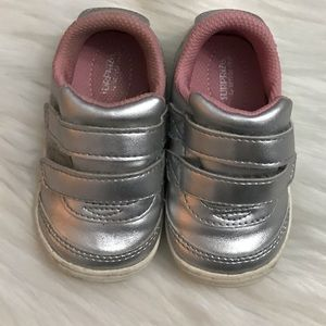 Infant girls sneakers